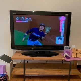 TOSHIBA、REGZA32型テレビ