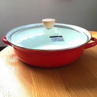 赤いホーロー鍋