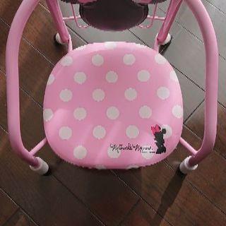 女の子用の椅子