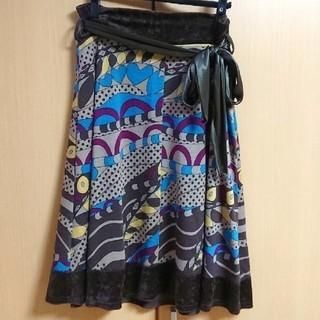 膝下丈 デザイン スカート