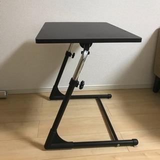 折り畳めるサイドテーブル
