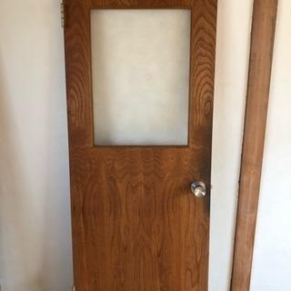 木製の開き戸