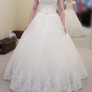 Aラインウェディングドレス、ドレスバッグつき