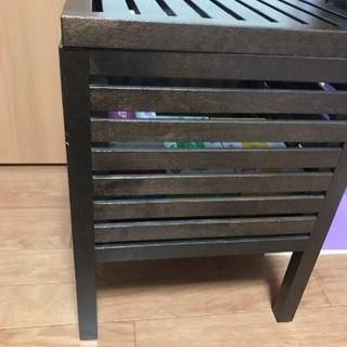 IKEAベッドサイド テーブル