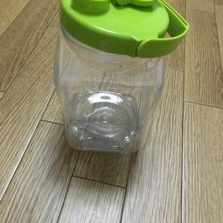 梅酒の容器