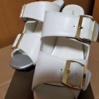 新品♡白ベルトサンダル 安定の太ヒール