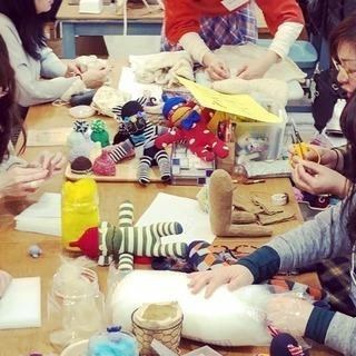 人々が集い、さまざまな手仕事を「楽しみ・学び・教える」お店です