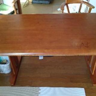 中古テーブルx1、椅子x3