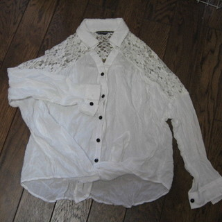 スカイボンバー 白 レースのシャツ 美品 エレガント