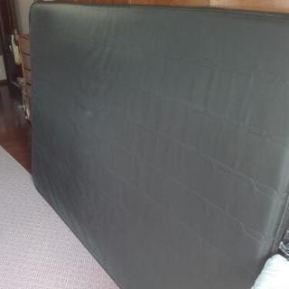 ベッドのマット