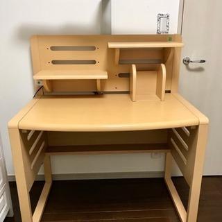 シンプルな学習机です☆なかなかキレイです♪