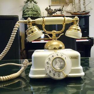 お洒落なアンティーク電話 電話機
