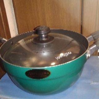 桂由美デザイン鍋