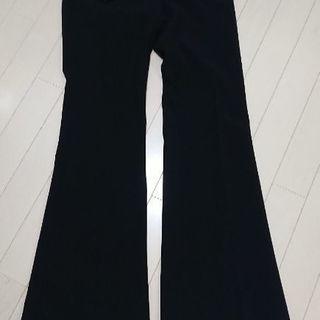 新品黒色パンツ