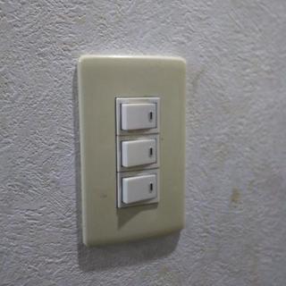 壊れたり調子の悪いスイッチ コンセント交換工事します