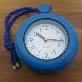 【無料・差し上げます】ヤナセ/YANASE 掛け時計(ブルー)ひも、リング付きの画像
