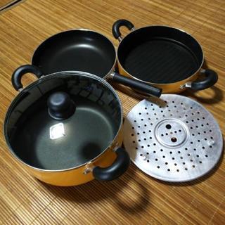 フライパンと鍋のセット (スタッキングトリオポット26㎝)
