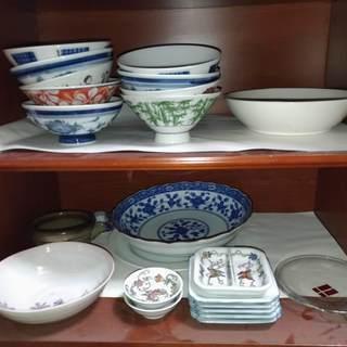 【募集中!!!】お皿、食器複数 引き取り頂ける方 募集