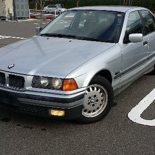 BMW323