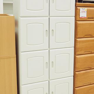 扉付き収納棚 ホワイト 4段  幅60cm 奥行 31.5cm 高さ 153.5cmの画像
