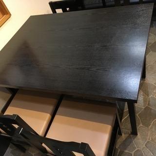 CRES製のテーブルと椅子セット 01