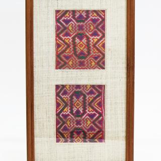 ☆アンティークなタイのモン族の民族衣装、刺繍裂を額装したインテリ...
