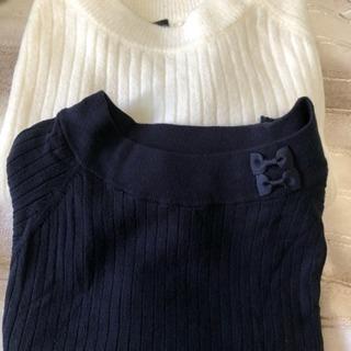 白と紺のセーター