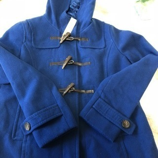 青いコート