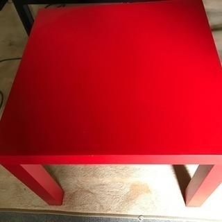 IKEA赤テーブル