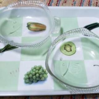 魚の形ガラスのお皿2枚