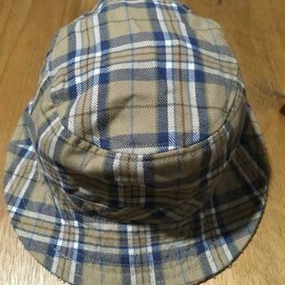 ギンガムチェック柄の帽子