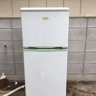 2010年製エラヴィタックス2ドア冷蔵庫128L