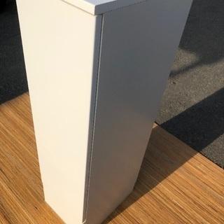 ピアノ調塗装仕上げ スリム棚  カップボード、収納、電話台に。