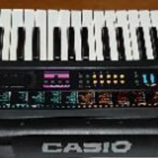 最終値下げ! カシオ 61鍵盤光ナビキーボード CTK-520L 中古