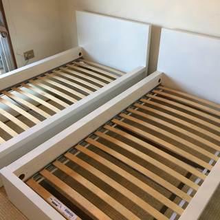 IKEA ベッドフレーム 2台セット ( *値下げ* 定価の75...