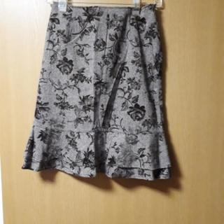 🔴ウエスト70cm薔薇柄スカート
