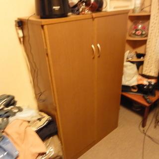 通販生活で買ったスライド式棚の衣類収納タンス。