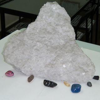 たぶん高価な石ではありません 500円