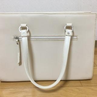 女性用ハンドバッグ