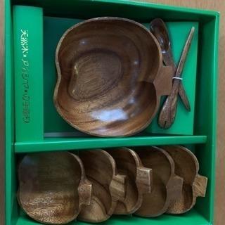 天然木 アカシヤの手彫り 皿