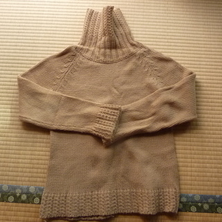 ベージュ 冬用 ハイネック セーター