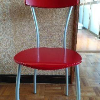赤い椅子。値下げ特価!