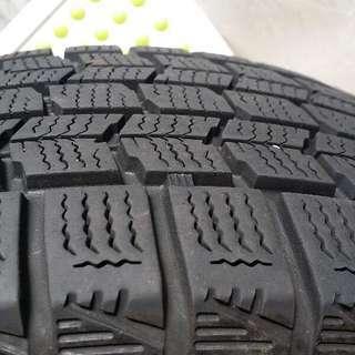 スタッドレスタイヤ、アルミホイール4本セット(ウィングロードで使用)