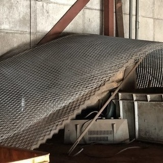 【さしあげます】ラス(建築や土木工事に使う薄めの金網)