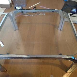 ガラスローテーブル・無料