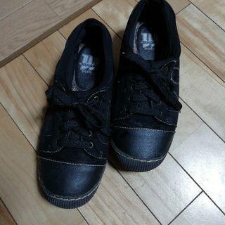 ウィルソン スポーツの黒い靴