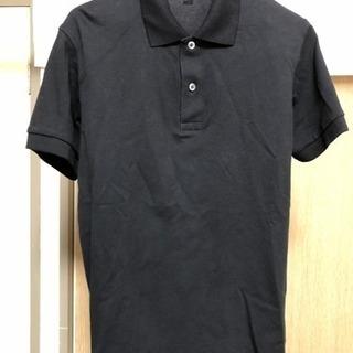 UNIQLOの黒ポロシャツ