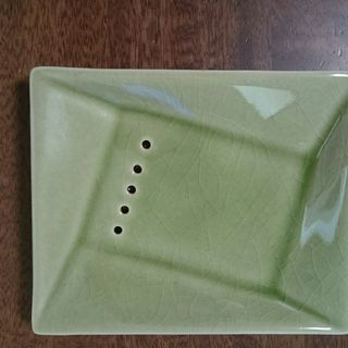 ★新品4個★お洒落な石鹸置き・陶器・ソープディッシュ