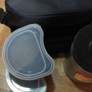 保温タイプの弁当箱