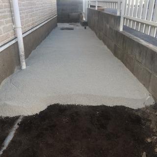固まる砂で雑草はやさない!! − 千葉県